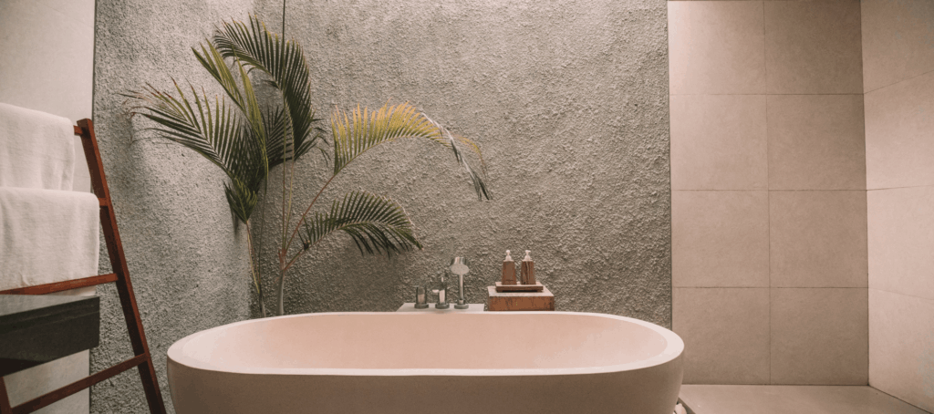 Building a better bathtub: the pros and cons of 9 bathtub materials